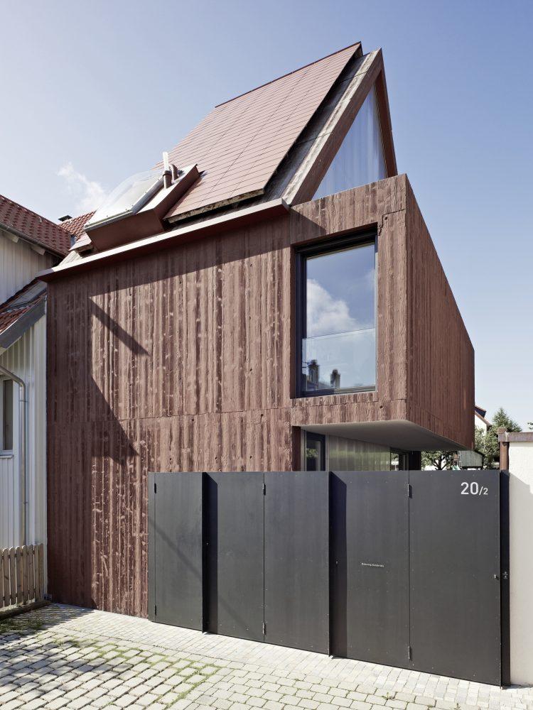 haus b eine versteinerte hommage finckh architekten bda komplette architekturleistungen. Black Bedroom Furniture Sets. Home Design Ideas